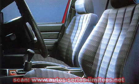 """(W201): Modelo especial 190 """"Contact"""" 1990  Mercedes_190_Contact_siege"""
